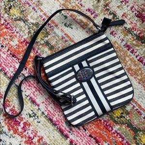 Tommy Hilfiger purse, never used!